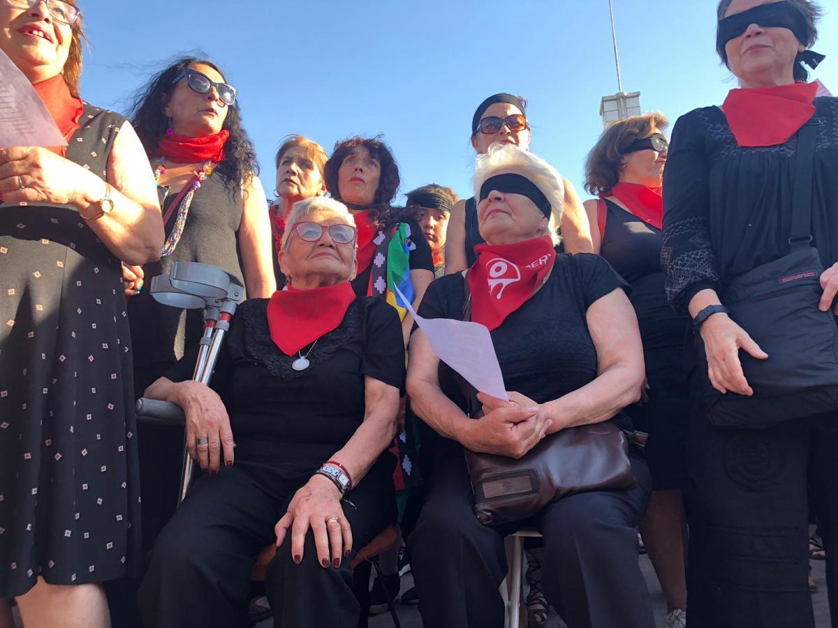 Las Tesis Senior en el marco del Estallido Social en Chile 2019. La revolución GeroFeminista. Autora PatriciaPinto
